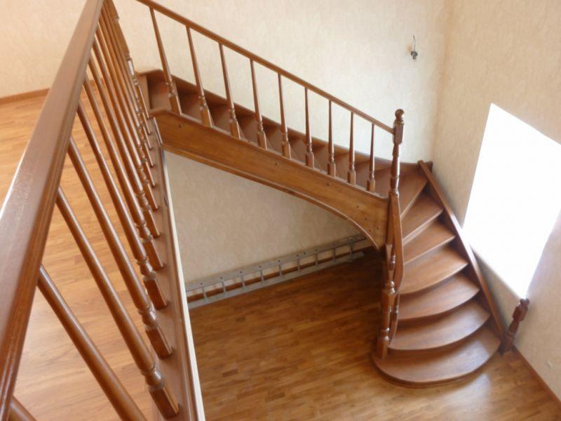Деревянная лестница в доме на второй этаж своими руками
